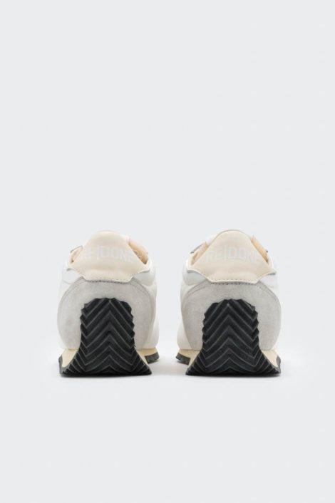 sneakers redone blanc vue de derrière