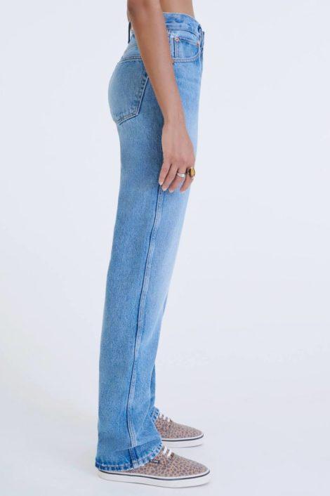 mannequin portant un denim redone pour femme