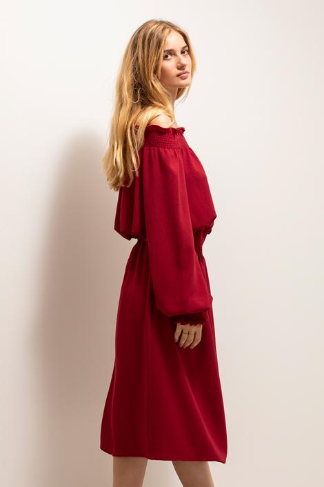 robe rouge la nuit profil