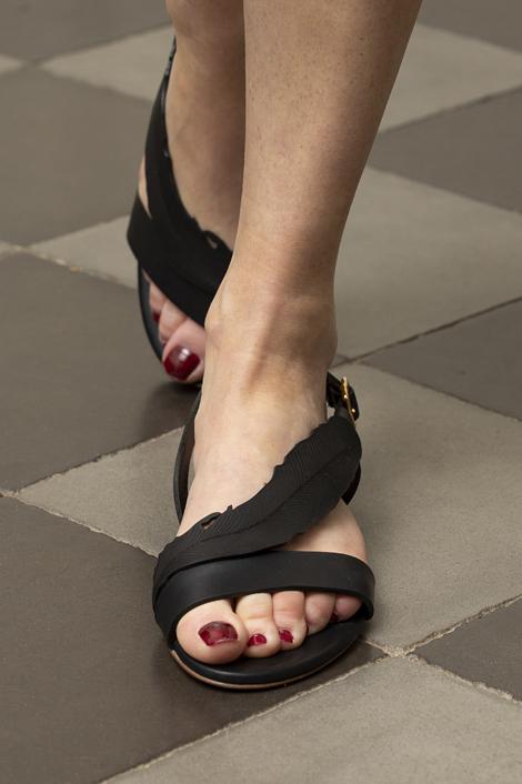 Sandales noires en cuir pour femme